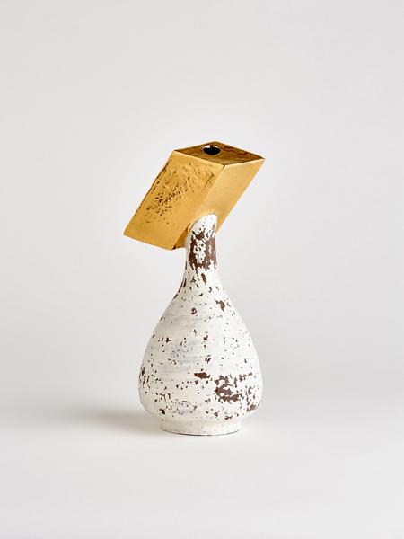 gold rhombic vase