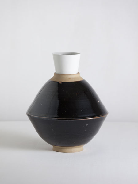 tenmoku bowl and porcelain cup vase