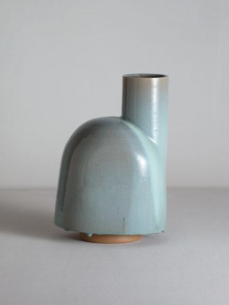 wayward apron vase
